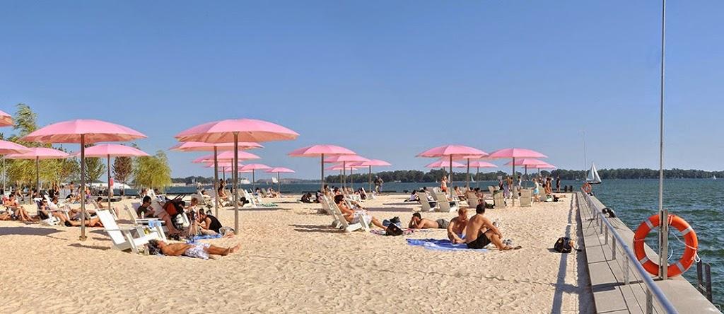 Sugar-Beach-by-Claude_Cormier_Associ-C3-A9s-05-CC