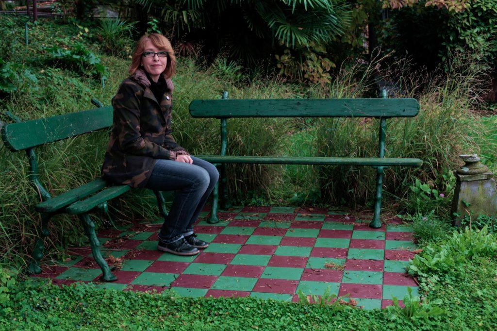 Progettazione idea per un piccolo patio moderno 2 ladies - Piccolo giardino ...