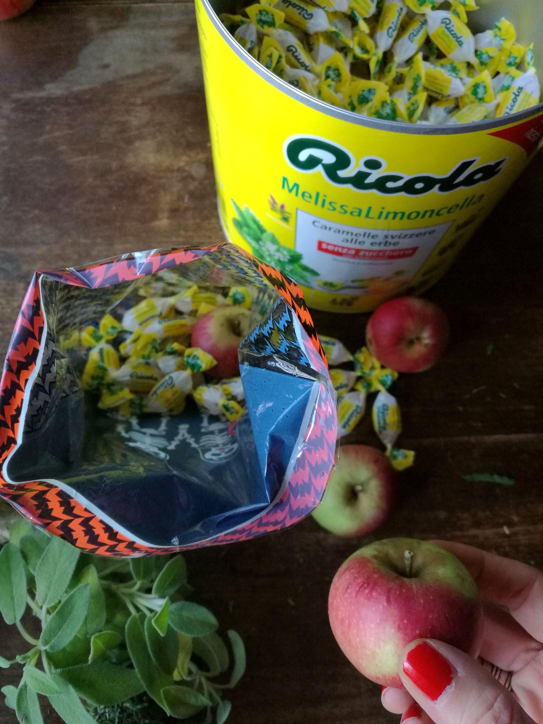 Ghirlanda con le erbe aromatiche blossom zine ricola