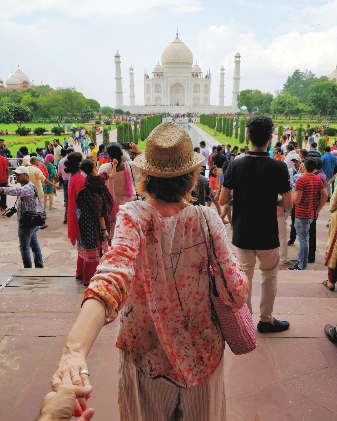 Taj Mahal / blossom zine