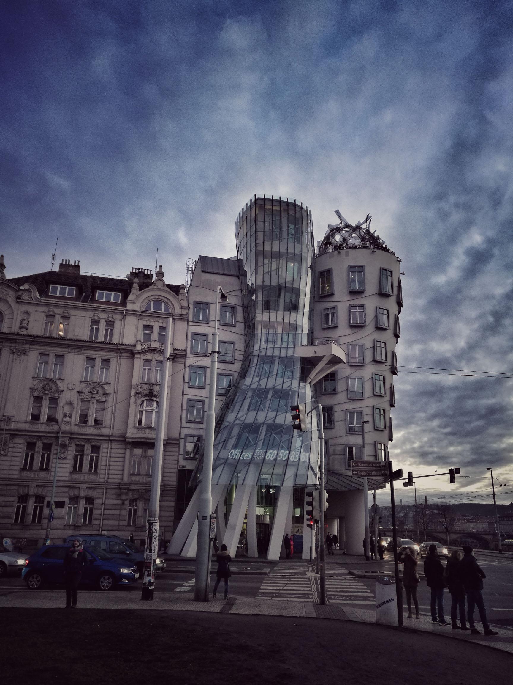 Blossom zine Praga in 4 giorni La casa danzante, Dancing House