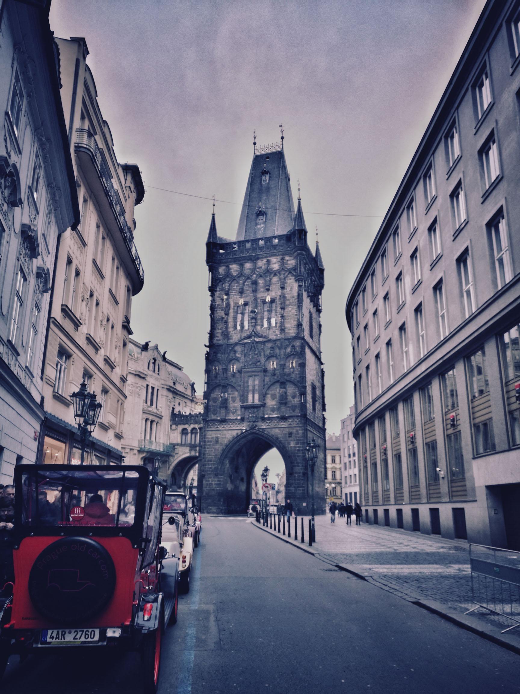 Blossom zine Praga in 4 giorni la Porta delle Polveri