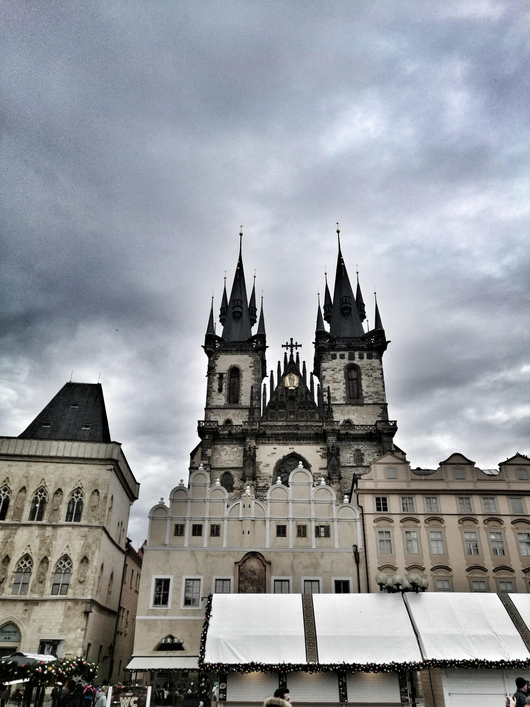 Blossom zine Praga in 4 giorni la Chiesa di Santa Maria di Tyn