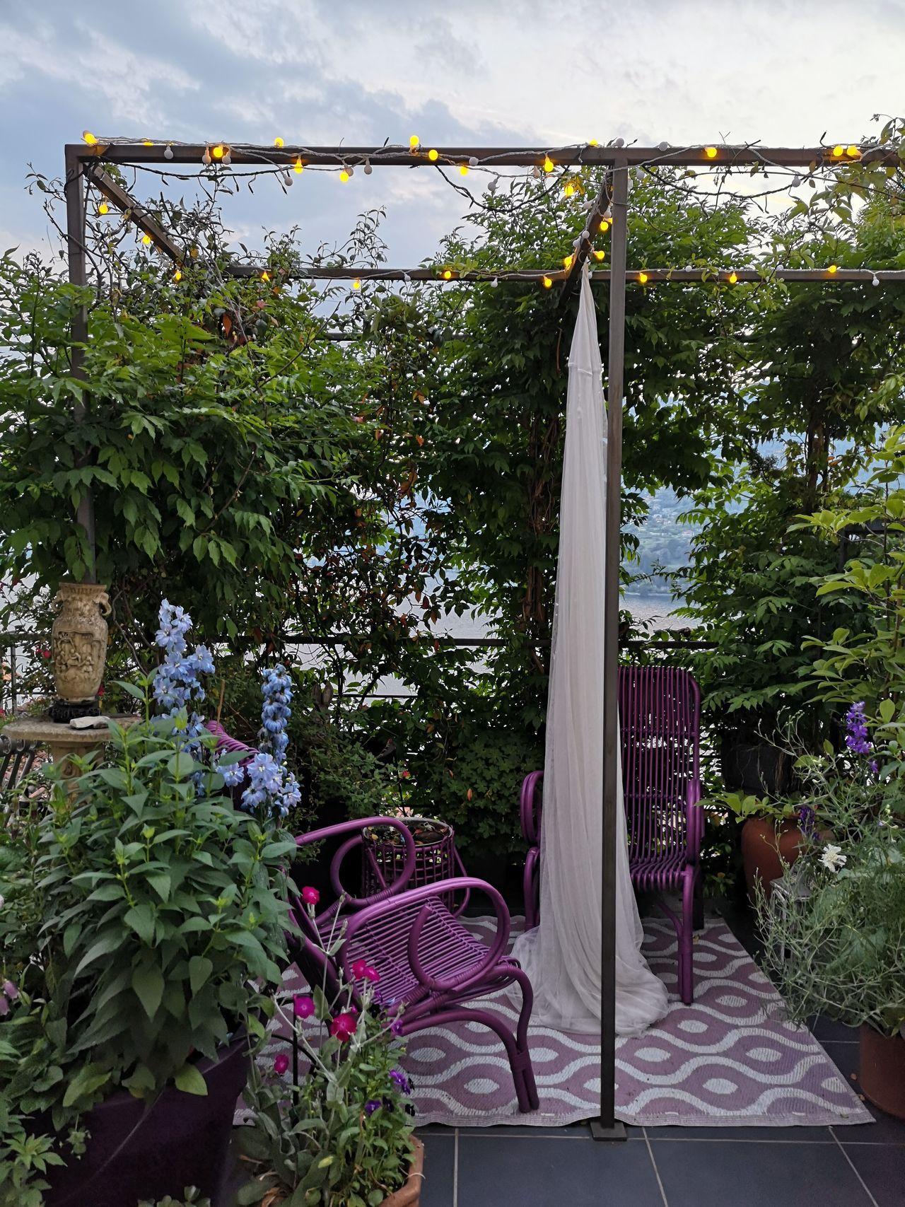 Idea per un terrazzo luccicoso e scenografico alla Moira Orfei Blossomzine